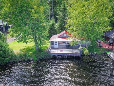 Single Family Home For Sale: 3 Ruby Lane