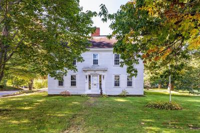 Kennebunk Single Family Home For Sale: 63 Summer St