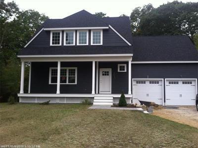 Kennebunk Single Family Home For Sale: 16 Chestnut Ln
