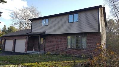 Single Family Home For Sale: 13 Winterhaven Dr