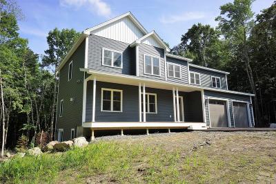 Bangor Single Family Home For Sale: 190 Hornbeam Way