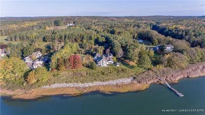 Freeport Single Family Home For Sale: 65 Lambert Pt