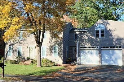 Portland Single Family Home For Sale: 127 Lester Dr