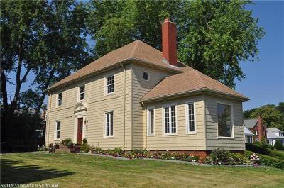 Portland Single Family Home For Sale: 120 Baxter Blvd