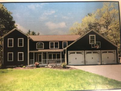 Kennebunk Single Family Home For Sale: 2 Carriedale Lane