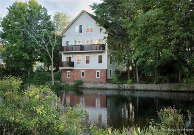 Kennebunk Condo For Sale: 1 Pleasant Street #4