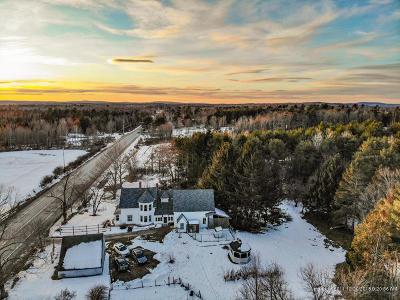 Single Family Home For Sale: 1096 Main Street