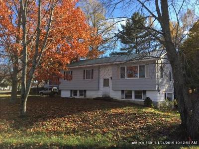 Single Family Home For Sale: 74 Dwelley Avenue