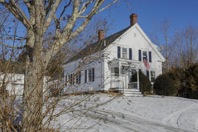Single Family Home For Sale: 270 Main Street
