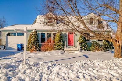 Portland ME Single Family Home For Sale: $250,000