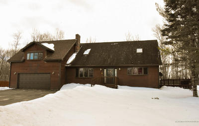 Single Family Home For Sale: 31 Oak Street