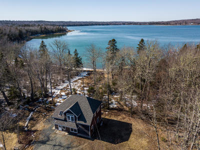 Single Family Home For Sale: 38 Meadow Point Road