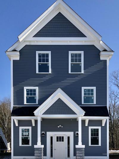 Kittery Single Family Home For Sale: 36 Landmark Hill Lane