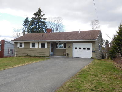 Presque Isle ME Single Family Home For Sale: $159,000