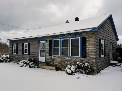 Single Family Home For Sale: 985 Main Road