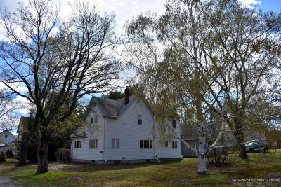 Single Family Home For Sale: 108 Highland Avenue