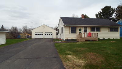 Presque Isle Single Family Home For Sale: 104 Fleetwood Street