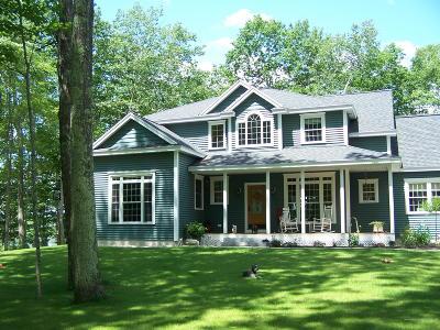 Single Family Home For Sale: 35 Densmore Lane