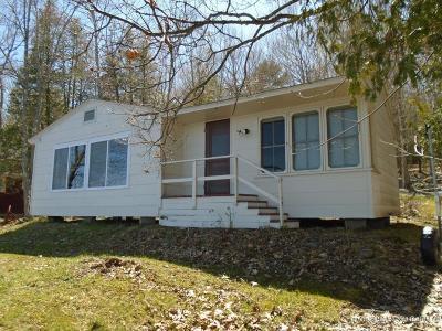 Single Family Home For Sale: 19 Davis Lane