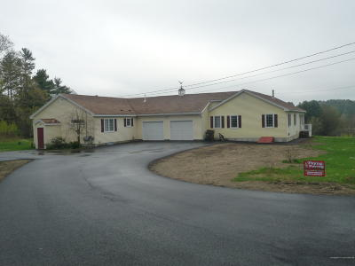 Scarborough, Cape Elizabeth, Falmouth, Yarmouth, Saco, Old Orchard Beach, Kennebunkport, Wells, Arrowsic, Kittery Single Family Home For Sale: 35 McKenney Road #A