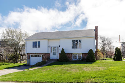 York Single Family Home For Sale: 34 Church Street Extension