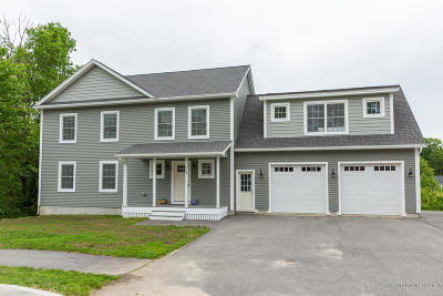 Scarborough, Cape Elizabeth, Falmouth, Yarmouth, Saco, Old Orchard Beach, Kennebunkport, Wells, Arrowsic, Kittery Single Family Home For Sale: 15 Owens Way