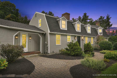 Falmouth Single Family Home For Sale: 32 Field Road
