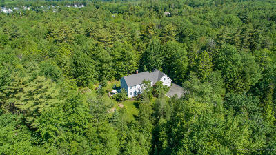 Cumberland Single Family Home For Sale: 18 Island Pond Road
