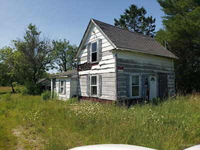 Hermon ME Single Family Home For Sale: $60,000