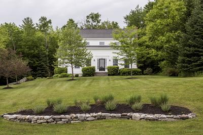 Freeport Single Family Home For Sale: 54 Baldwin Road
