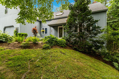 Scarborough, Cape Elizabeth, Falmouth, Yarmouth, Saco, Old Orchard Beach, Kennebunkport, Wells, Arrowsic, Kittery Condo For Sale: 7 Foxglove Court #7