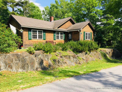 Single Family Home For Sale: 101 Sandy Point Road