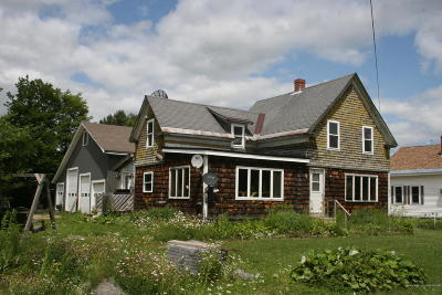 Aroostook-County Single Family Home For Sale: 4 Varney Avenue
