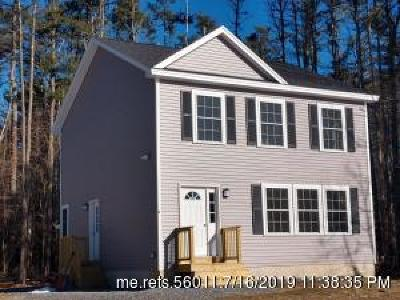 Single Family Home For Sale: 18 Tree Farm Road