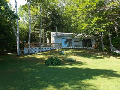 Single Family Home For Sale: 94 Center Pond Road