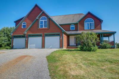 Scarborough Single Family Home For Sale: 41 Woodfield Drive