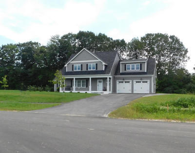 Kennebunk Single Family Home For Sale: 16 Higgins Drive