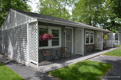 Scarborough Condo For Sale: 95 E Grand Avenue #3