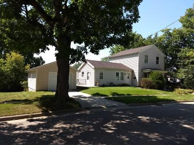 Saline Single Family Home For Sale: 102 S Lewis Street