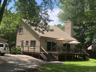 Whitmore Lake Single Family Home For Sale: 7669 Edmund St