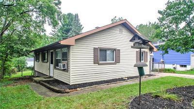 Single Family Home For Sale: 120 Mason Ave