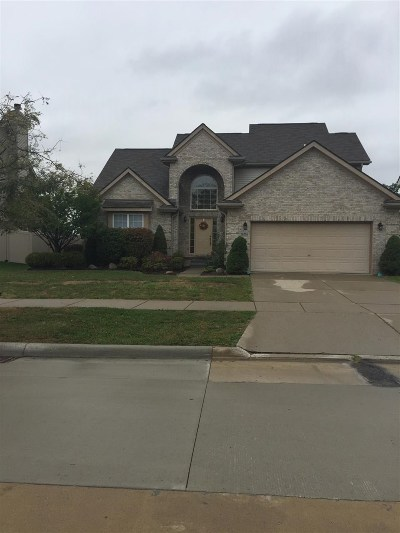 Woodhaven Single Family Home For Sale: 26736 Pepperwood