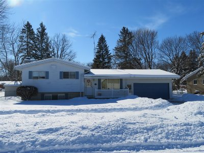 Flushing Single Family Home For Sale: 1028 Pleasantview Drive