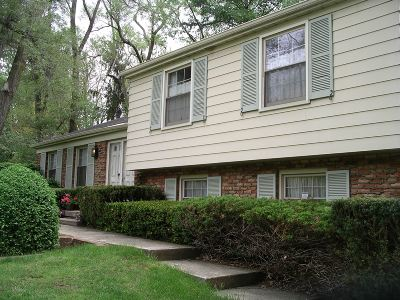 Flushing Single Family Home For Sale: 2446 Pinewood Court
