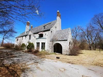 Flint Single Family Home Held: 925 Avon Street