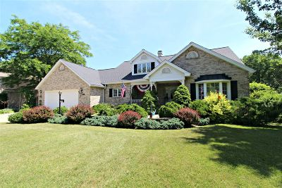 Flushing Single Family Home For Sale: 5234 Applewood Drive