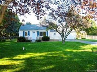 Flushing Single Family Home For Sale: 8112 Beecher Road