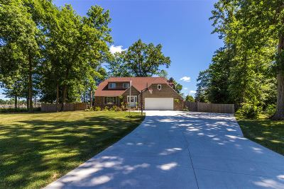 Flushing Single Family Home For Sale: 616 Shawnesee Avenue