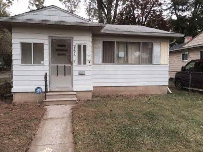 Flint Single Family Home For Sale: 2701 Woodrow Avenue