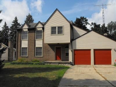 Flushing Single Family Home For Sale: 1368 Robinwood Drive